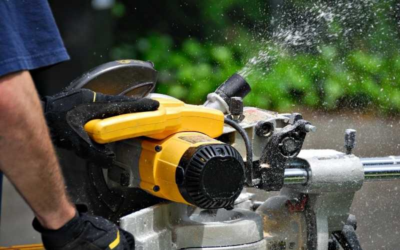 check miter saw dust collection