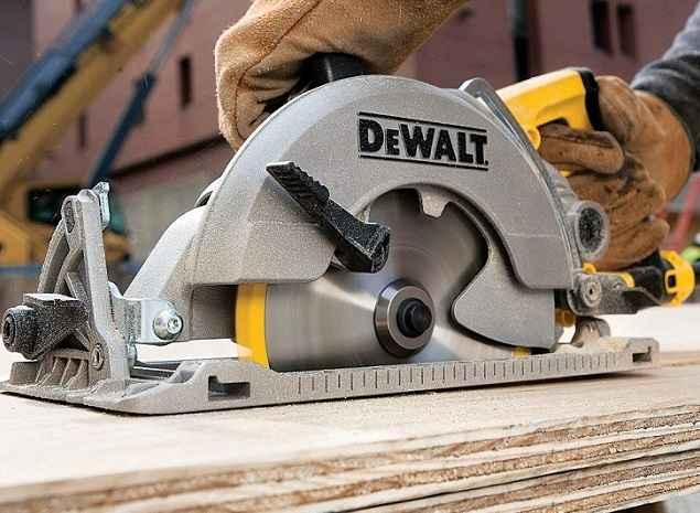 dewalt dws535 worm drive circular saw