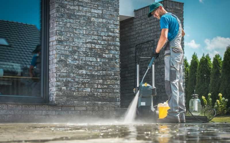 The 10 Best Pressure Washers For Outdoor Cleaning Projects