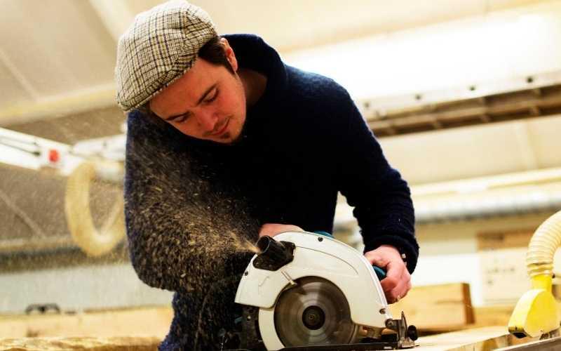 testing circular saw