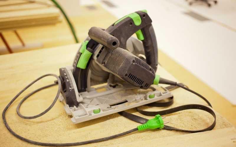 unplugged circular saw