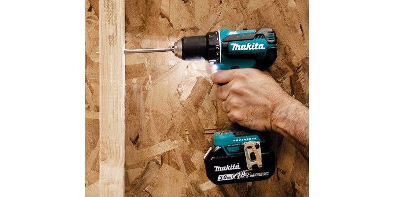 Makita XFD131 cordless drill