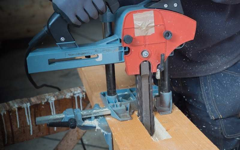 cutting a mortise with the mafell chain mortiser