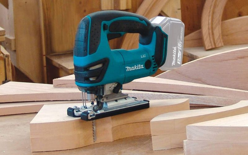 battery powered makita jigsaw