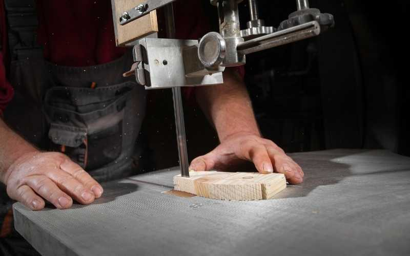 cutting with a bandsaw