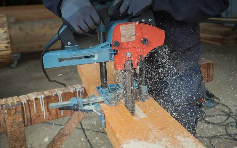 using a mafell chain mortiser
