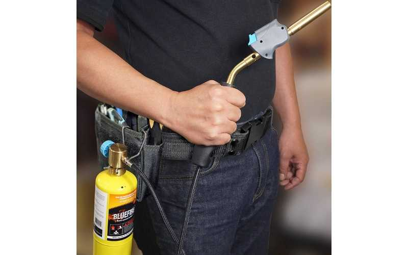 portable self-igniting gas welding torch