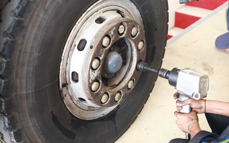 losing lug nuts with impact wrench