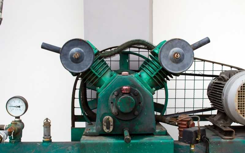 How To Choose Between An Oil Compressor Vs An Oil-Free One